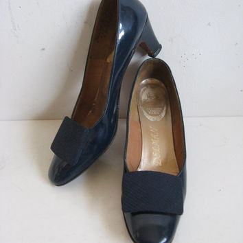 Vintage 1970s Patent Leather Shoes 70s Delman Navy Blue Leather Pumps Shoes 8