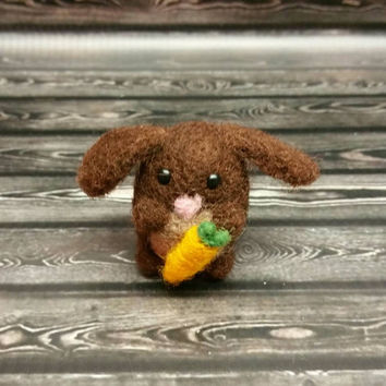 Tiny Felted Brown Bunny with Carrot - Needle Felting Sculpture - Felted Bunny - Soft Animal - Handmade Art