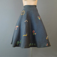 Vintage Full Skirt with Embroidered Sun, Scarecrow, Chickens, Inchworm & Flowers, 27-1/2 inch waist, Novelty Cross stitch