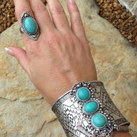 Antique Turquoise accent ring