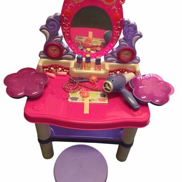 Beauty Queen Dresser Pretend Play Battery Operated Toy Beauty Mirror Vanity