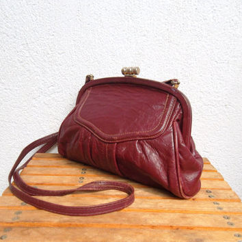 Oxblood Leather Bag, Small Burgundy Purse, Distressed Leather Shoulder Bag, 70s Necessary Clutch, Shell Shaped Purse, Retro Scalloped Bag