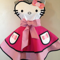 Apron inspired by Hello Kitty! Pink, pink and more adorable pink!