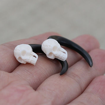 4g 5mm Skull Gauge Earring, Real Gauge Horn Earrings, Ethnic Tribal Gauges, Organic Hand Carved Body Art Jewelry