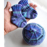 Thin wool purple and blue hat and socks, choose your size, preemie, newborn, 2-6 month baby