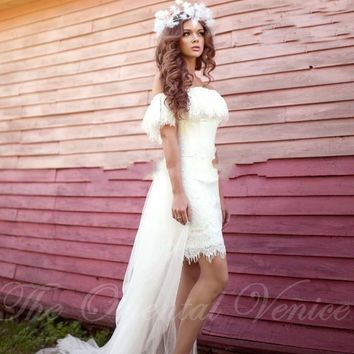 2017 High Low Short Beach Wedding Dresses with Detachable Train Off the Shoulder Bohemia Lace Bridal Gowns Boho Wedding Dress
