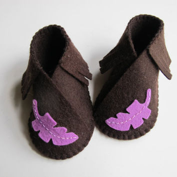 Baby Moccasin Bootie KIT - Wool Felt - Do It Yourself - Materials and Instructions - DIY Needlecraft Embroidery