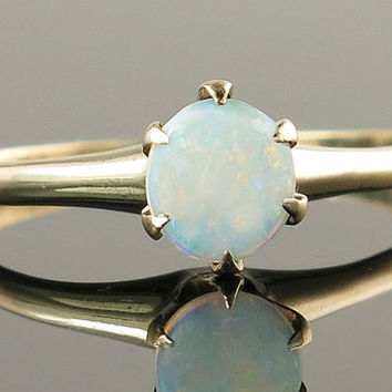 Vintage Estate Art Deco .20ct Genuine Opal 14K Yellow Gold Ring 1.3 g