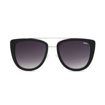 Quay - French Kiss Sunglasses - Black/Smoke Lens