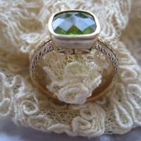 Antique 14K Yellow Gold Peridot Ring, August Birthstone, Estate jewelry