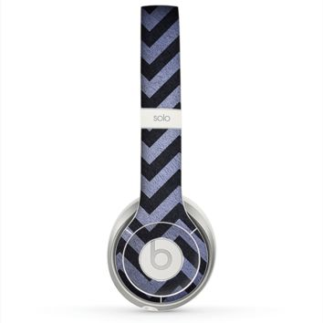 The Purple Textured Chevron Pattern Skin for the Beats by Dre Solo 2 Headphones