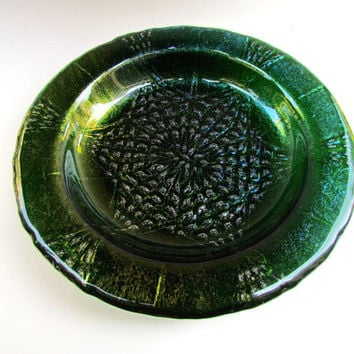 Star Mandala Bowl, Six Pointed Star Design in Green Iridescent Glass, Aventurine Green Glass Bowl, Sparkly Holiday Dish, Emerald Bowl
