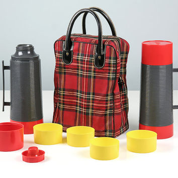 Vintage Tartan Plaid Bag and Thermos Set / Coffee Thermos / Soup Thermos / Aladdin Thermos / Football Tailgate / Tailgate Party Picnic