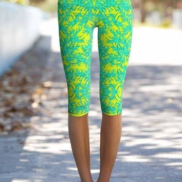 Fiesta Ellie Performance Yoga Capri Leggings -