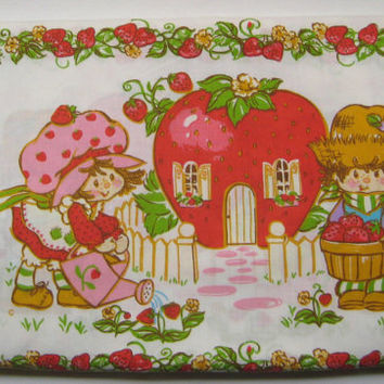 Vintage 1980 Strawberry Shortcake Bed Sheet Set Twin Size Flat Fitted Girl Kid Bedding American Greetings Craft Fabric Used Clean