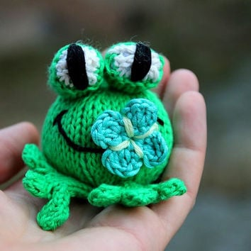 Knitographybymumpitz on wanelo babs the frog knitting pattern for beginners and advanced kni negle Images
