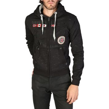 Geographical Norway Foliday_man