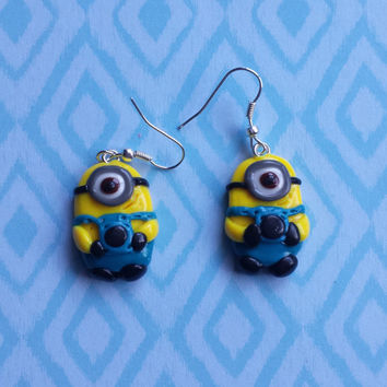 Minion charm earrings, minion earrings, minion jewellery, despicable me minion, dangle earrings, fimo, polymer clay