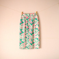 Vintage. Vivid Pink Green and White Floral Pleated Pencil Skirt. Roses. Leaves. Pockets. Back Slit. High Waist. Boho. Hipster. Small Medium