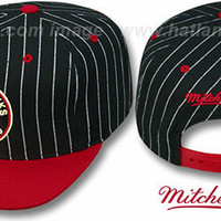 Blackhawks 'PINSTRIPE 2T TEAM-BASIC SNAPBACK' Black-Red Adjustable Hats by Mitchell & Ness