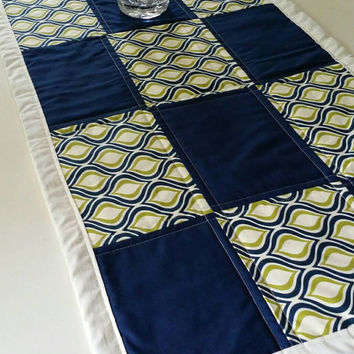 quilted table runner handmade,  homemade table runner , homedecor