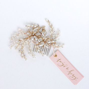 Bridal crystal hair comb, headpiece - Flower, crystal and freshwater pearl spray comb - Style 406