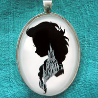Elsa from Frozen Large Silhouette Cameo Pendant Necklace