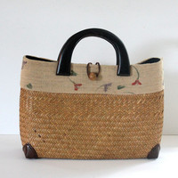 Vintage Straw Handbag / Vintage Basket Bag / Woven Raffia and Burlap / Wood Handles / Spring Summer Fashion