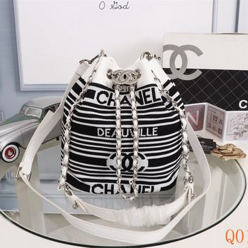 HCXX 19Aug 117 231915 Fashion Women Shoulder Strap Large Capacity Pleated Design Bucket Bag 23-19-15CM White Black