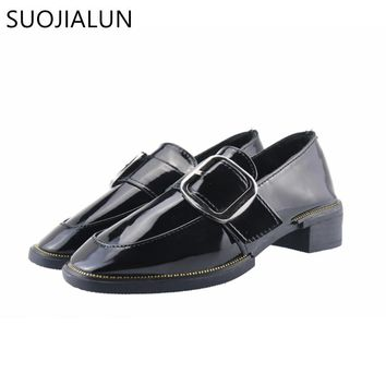 SUOJIALUN 2018 Spring Women Slip On Flat Buckle Metal Loafers Patent Leather Shoes Women Casual Shoes Brand Oxfords