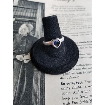 Vintage created sapphire blue heart sterling silver ring size 8