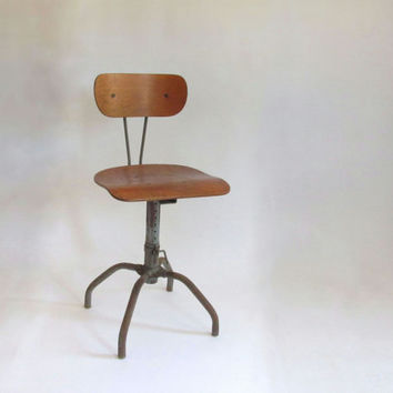 Singer Industrial Chair. Factory Chair. Bar Stool. Drafting.
