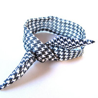 Top Knot Tie Wired Hair Accessory for Buns or Pony Tails Fabric Bun Wrap Bun Wire Wrap Houndstooth Black White Women Teens Girls