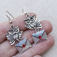Harry Potter Owl Post Hedwig Earrings (silver tone)