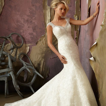 Mori Lee 1854 Lace wedding gown with cap sleeves, Ivory Size 12
