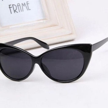 Ladies Cat Eye Retro Vintage 50s 60s Style Rockabilly Sunglasses Eye Glasses = 1652911492