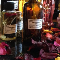 Beauty body and bath oil~ LOVE~ BEAUTY Magick~Wicca Pagan witchcraft. Sacred.