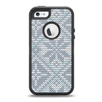 The Knitted Snowflake Fabric Pattern Apple iPhone 5-5s Otterbox Defender Case Skin Set