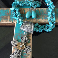 Cowgirl Flower Cross Necklace Set