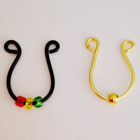 Faux Septum Ring: Black with Rasta Beads