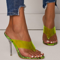 The new summer shoe covers sexy women with transparent toes
