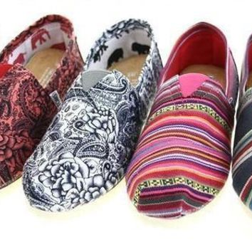 "TOMS Women Fashion ""folk-custom"" FLAT SHOES CLASSICS FLAT TOMS SHOES"