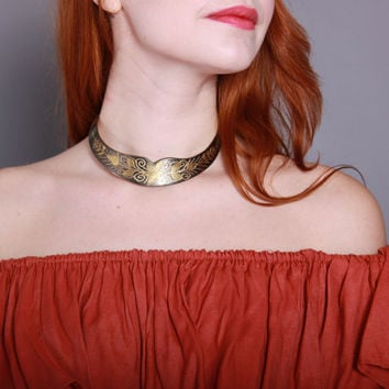 80s Ethnic India BRASS CHOKER / 1980s Etched Floral Metal Indian Statement Necklace