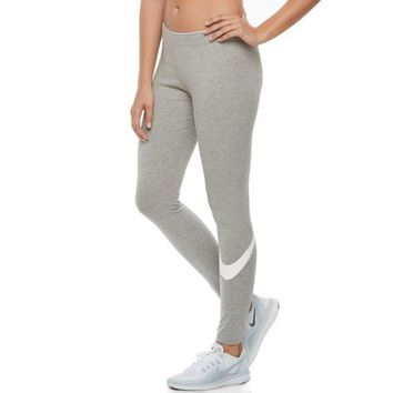 PEAPPL3 Women's Nike Sportswear Club Swoosh Leggings