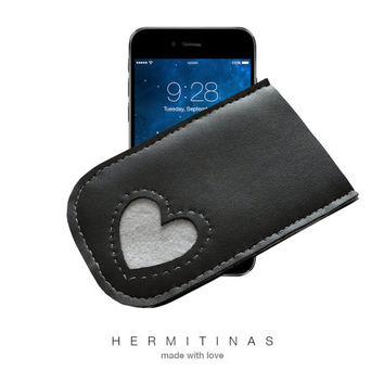 Black faux leather phone case, Vegan leather  Iphone case, Faux leather-grey felt heart phone case, Black Iphone case with felt heart