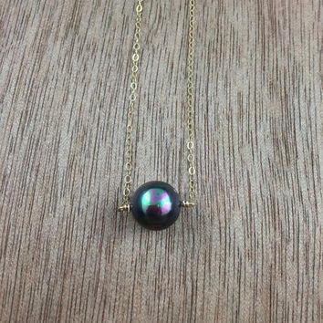 14k gold filled black sea shell pearl necklace / bridesmaid necklace / dainty necklace / minimalist necklace / June birthstone necklace