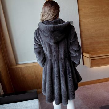 2017 Haining imported fur women's hooded mink long section mink coat water mink coat new Korean version
