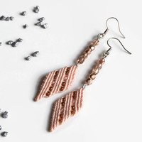 Dainty rose macrame earrings with glass beads, boho fashion jewelry, diamond shaped minimalistic earrings, lightweight jewelry