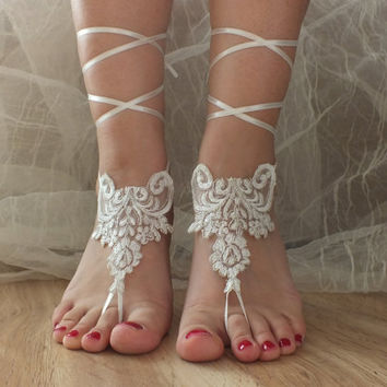 FREE SHIP Beach wedding barefoot sandals, ivory silver frame Barefoot , french lace sandals, wedding anklet,