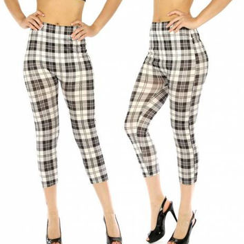 Cotton Blend Capri Leggings Checkered White/Black in One Size Fits S-L